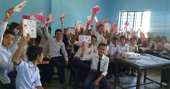 During the classroom sessions the pupils are given information sheets about bite avoidance that they can take home. Here the children show their appreciation of Anjani's entertaining lesson